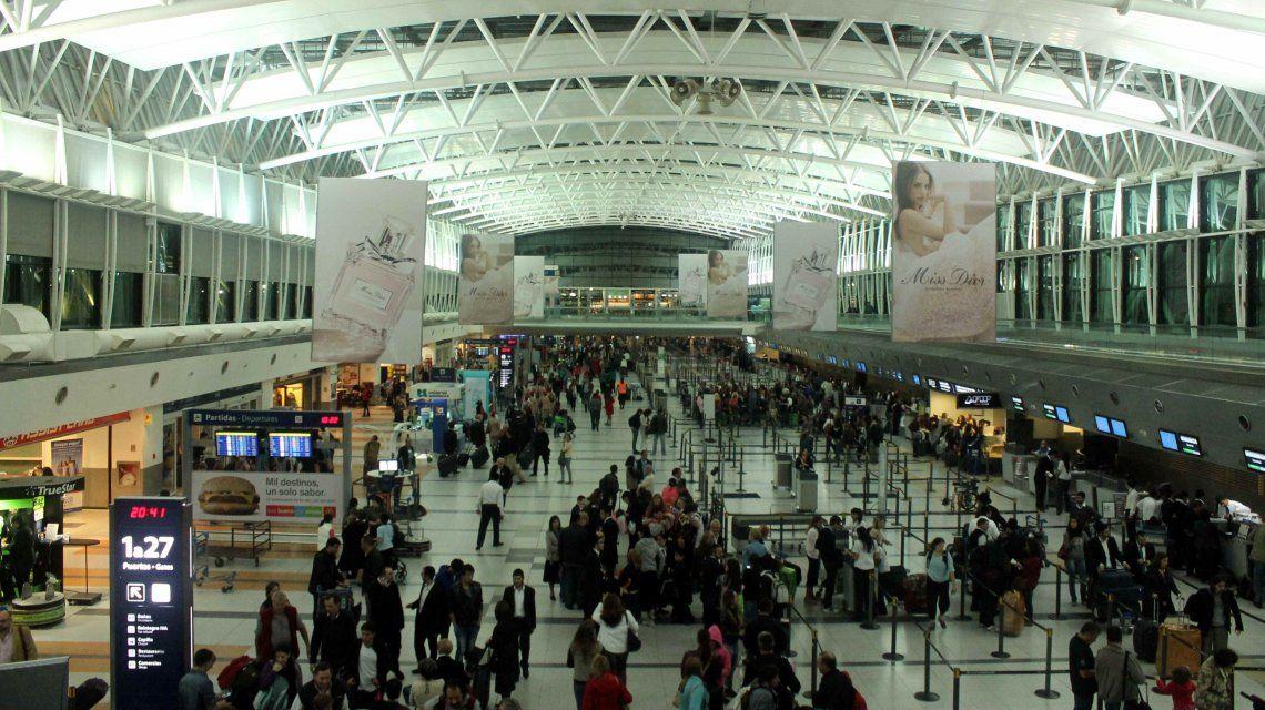 Cocaína en Ezeiza: detuvieron a tres agentes de la Policía de Seguridad Aeroportuaria