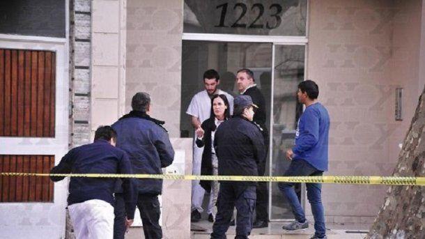 El crimen ocurrió en un departamento ubicado en calle 14, entre 57 y 58