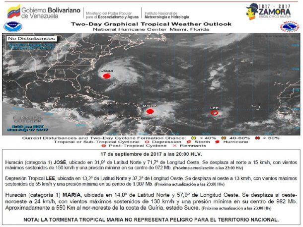 El huracán Lee también merodea la zona pero sin riesgos<br>