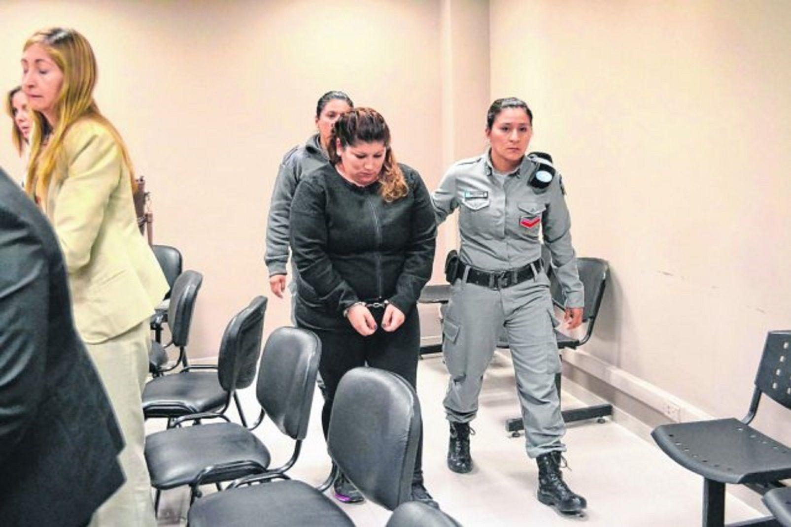 Fue condenada a perpetua por haber asesinado a golpes a sus dos hijas