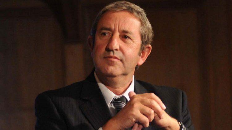 El senador Julio Cobos es uno de los impulsores de cambiar la fecha de festejo del Día del Padre