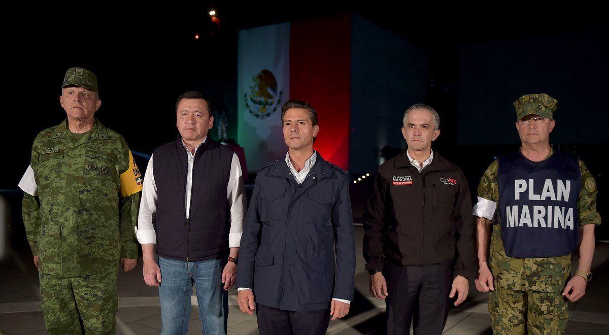 Enrique Peña Nieto al dar un mensaje a su país en la noche del martes