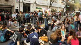 La Ciudad se reunió con los alumnos y les pidió que levanten las tomas
