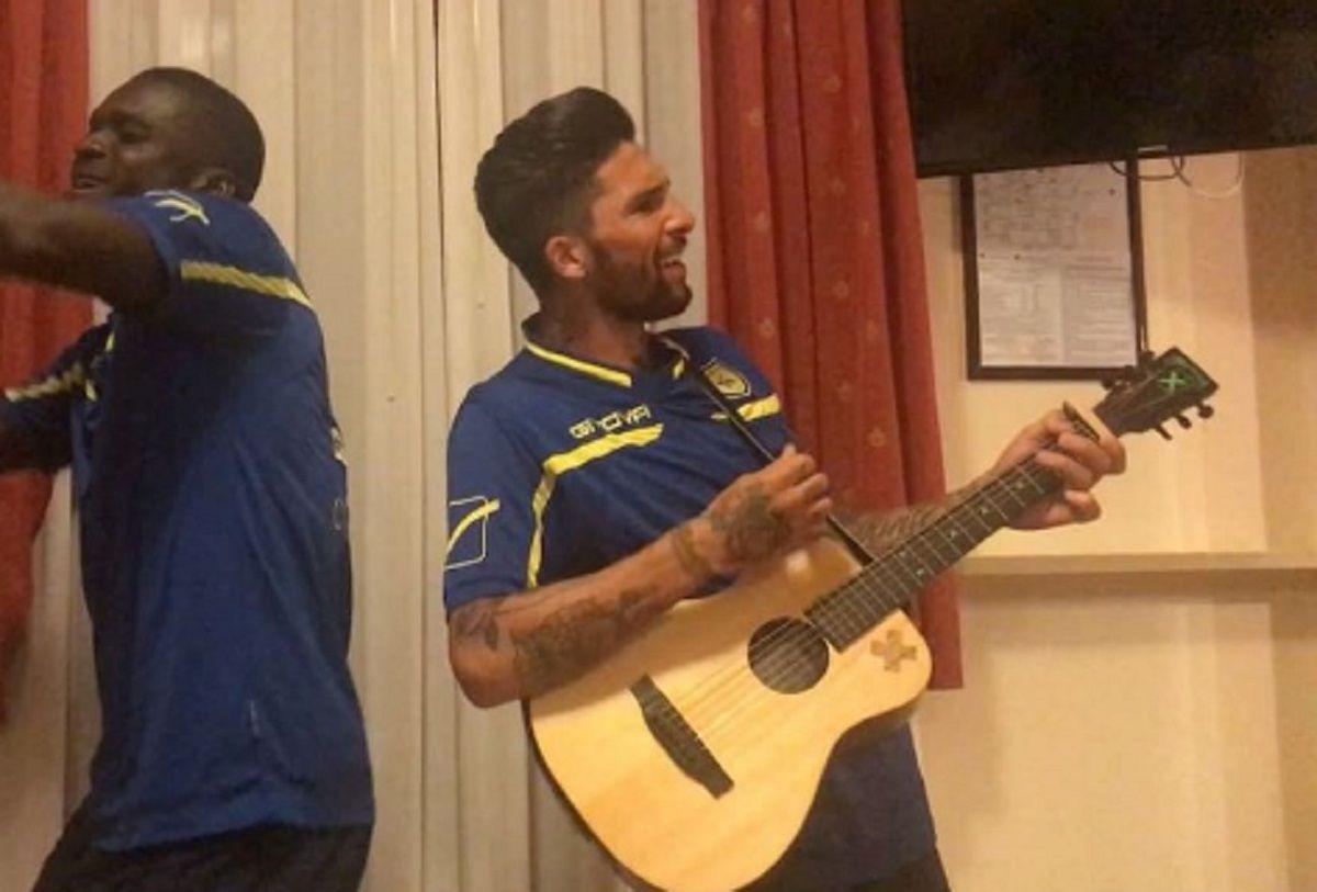 Imperdible: Lucas Castro transformó el relato del gol de Maradona en canción