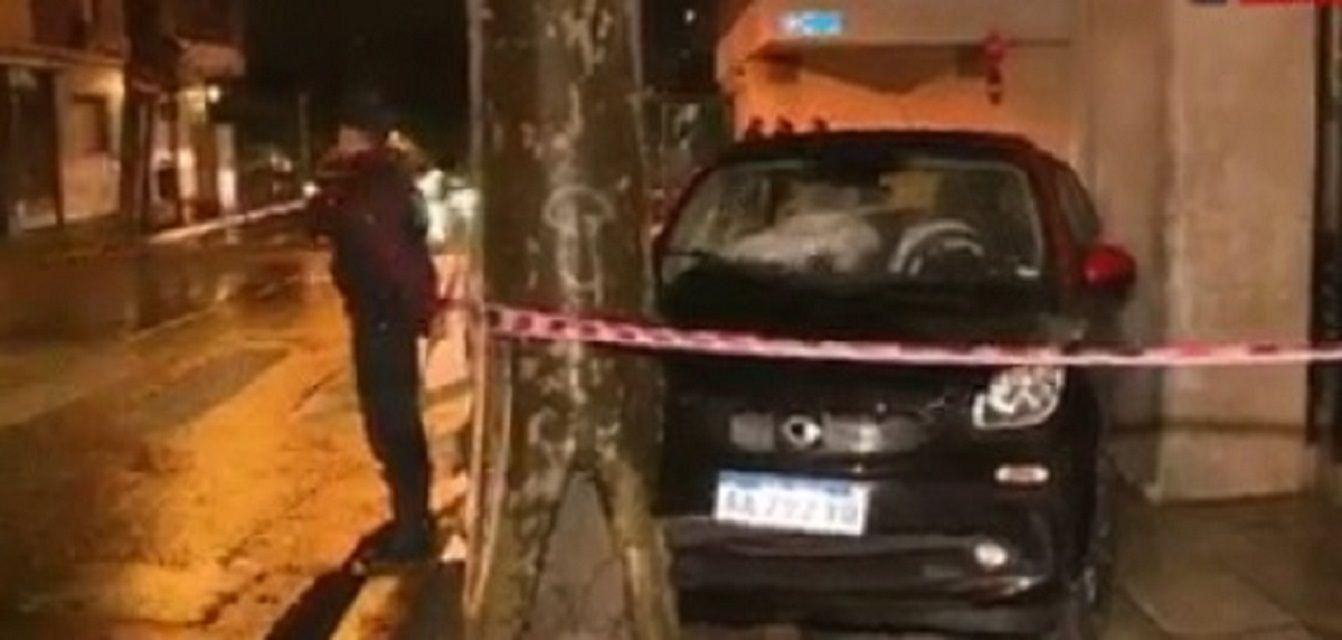 Perdió el control del auto y atropelló a tres policías