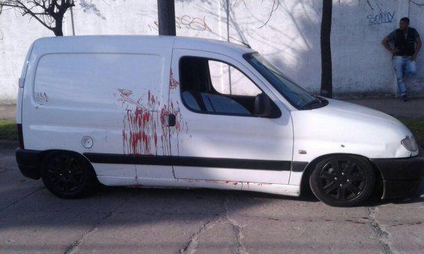 <p>Un hombre de 63 años mató hoy a dos vecinos y luego se suicidó en la localidad bonaerense de Luis Guillón</p><p></p>