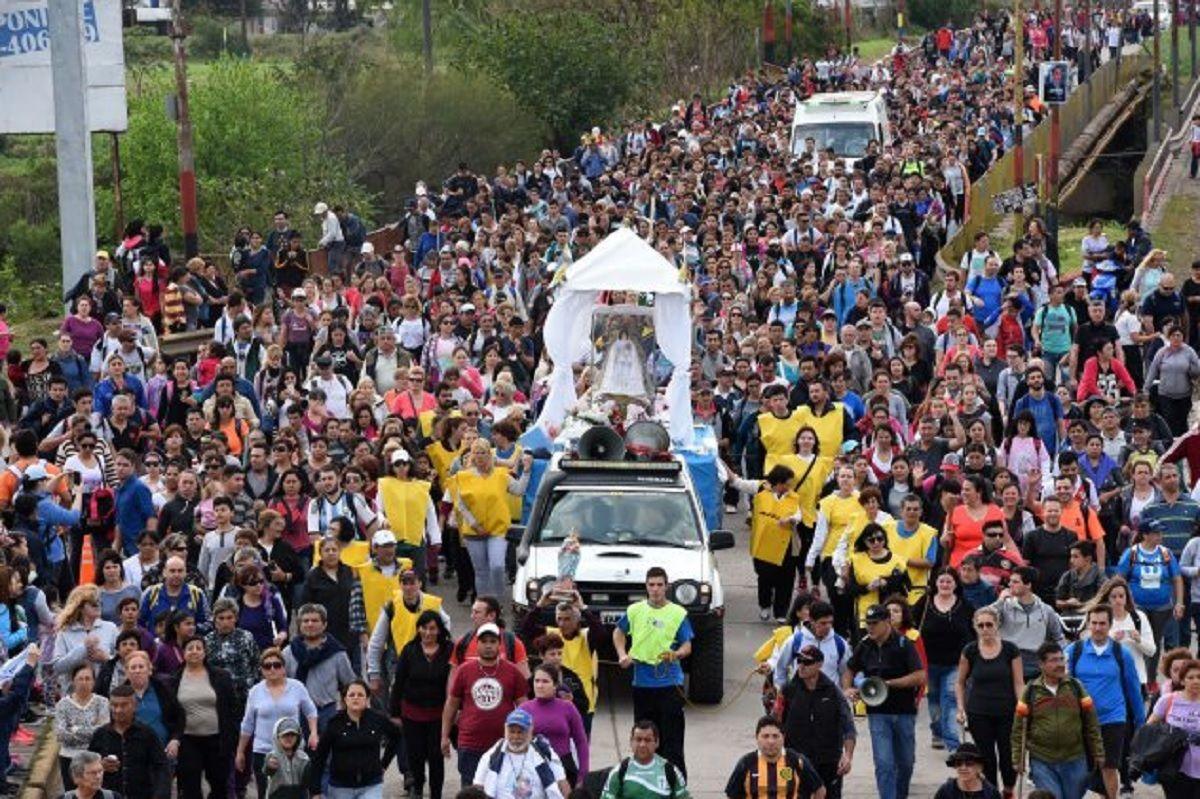 Miles de personas llegaron a San Nicolás por la celebración de la Virgen del Rosario