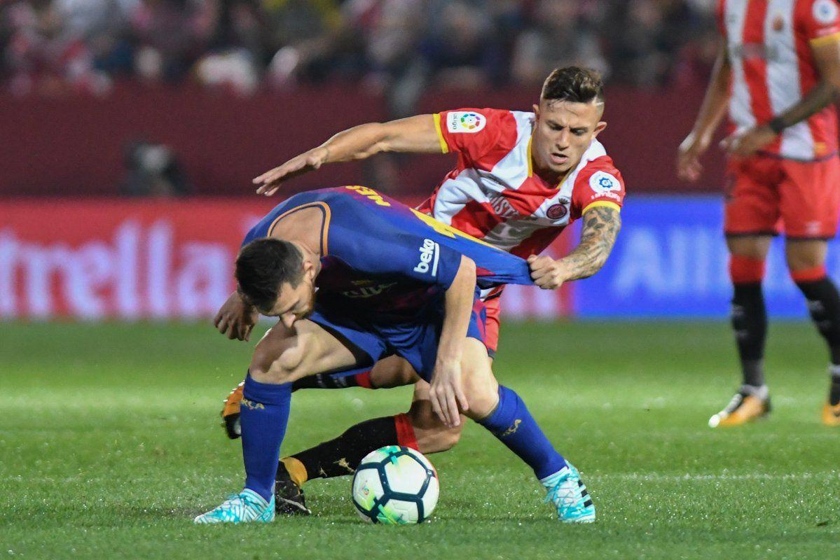 Qué le preguntó Messi al rival que lo siguió por toda la cancha