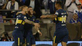 Boca festeja uno de los cuatro goles a Vélez