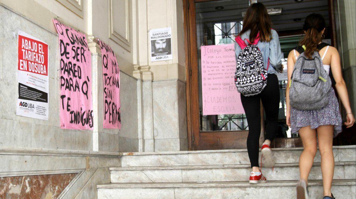 Denuncian que hubo un caso de abuso sexual durante la toma de colegios