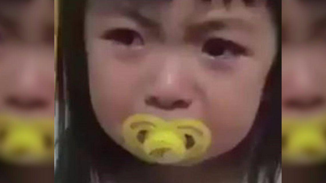 VIDEO: Una nena se volvió viral por su falso e intenso llanto