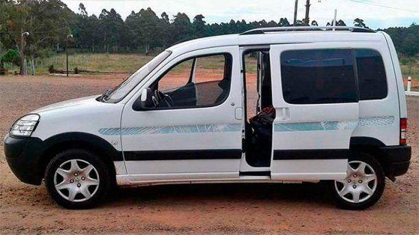 La camioneta en la que se dirigían a Paraguay<br>