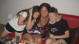 Foto Facebook. Inés, la mamá de Tobías junto a sus dos hijos.
