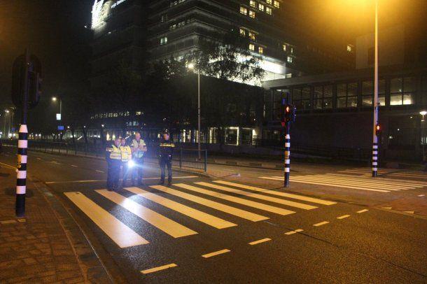 Policías interrumpían el tránsito a metros del accidente<br>