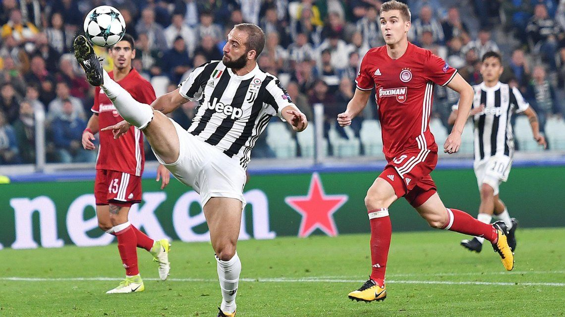 El Pipa volvió al gol por Champions League