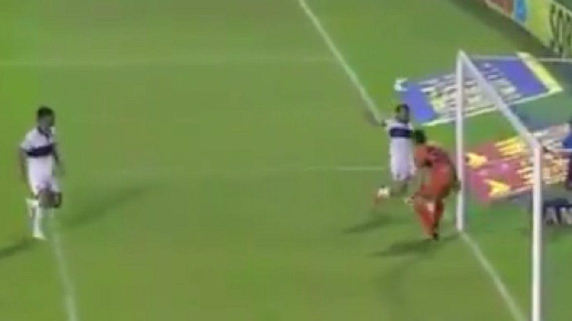 El ridículo penal de Rinaudo en el partido entre Lanús y Gimnasia