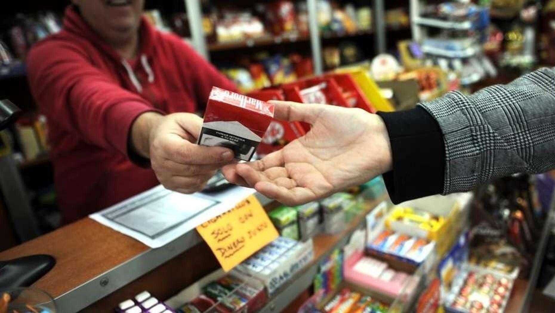 El precio de los cigarrillos volverá a subir un 4% este lunes