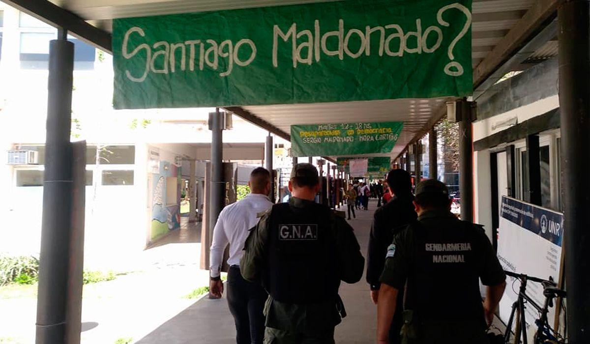 Así ingresaron los gendarmes a la universidad