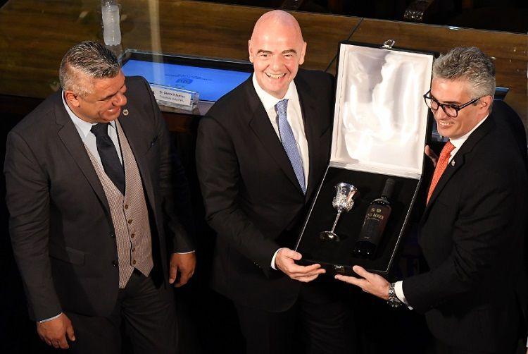 La condición que Gianni Infantino le puso a la AFA para organizar el Mundial 2030