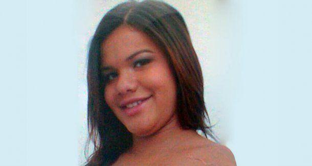 La mujer de 22 años fue asesinada a tiros por su vecino