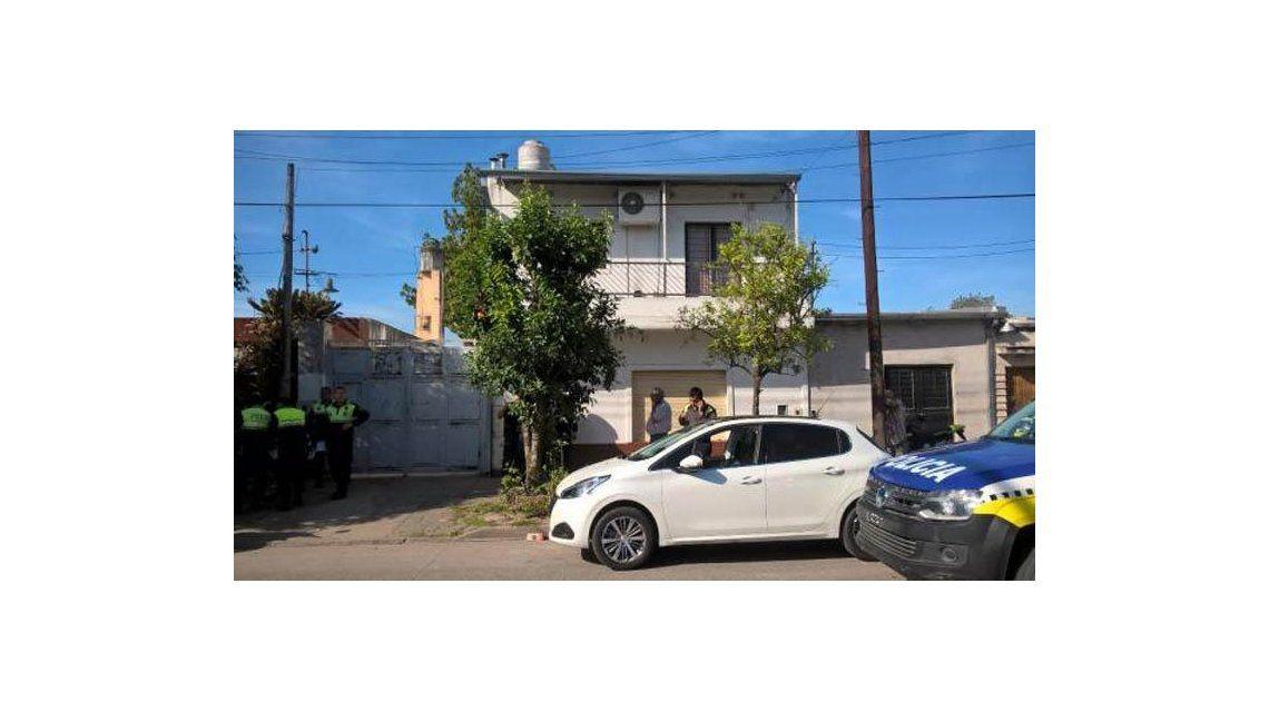 Tucumán: degolló a sus hijos con un bisturí e intentó matarse