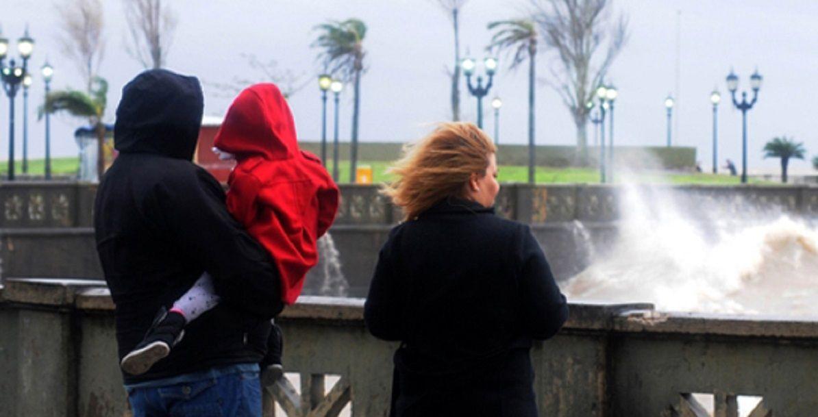 Alerta en la Ciudad y el Conurbano por ráfagas de viento zonda
