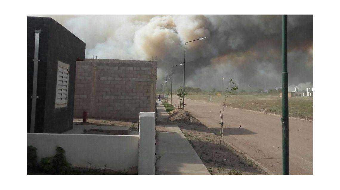 Alerta máxima en La Punta: el zonda provocó incendios incontrolables