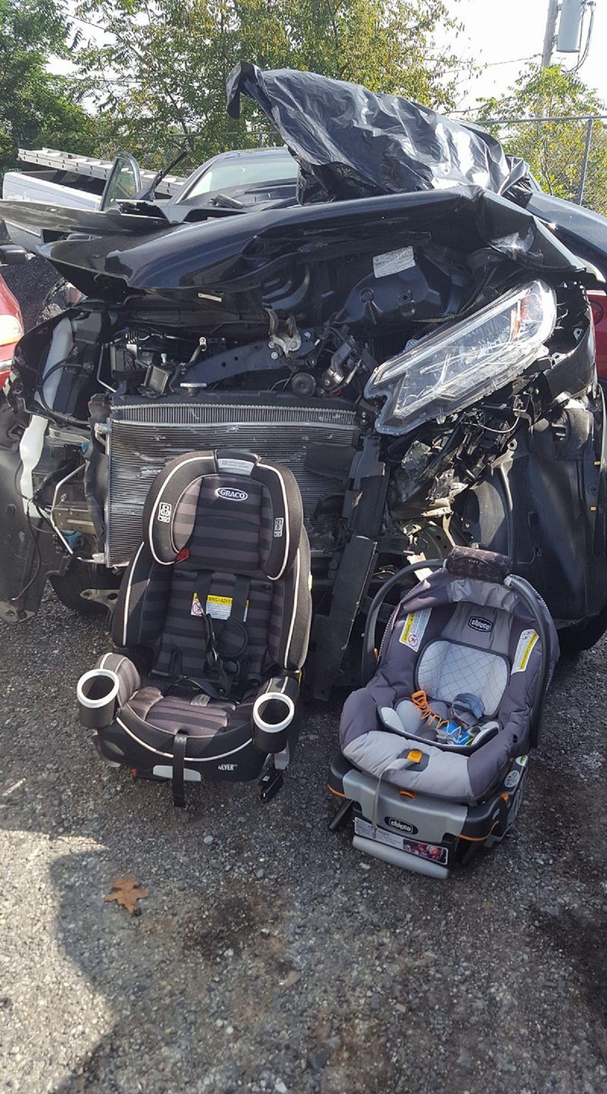 Desesperado pedido: Pongan a sus hijos en las sillas del auto