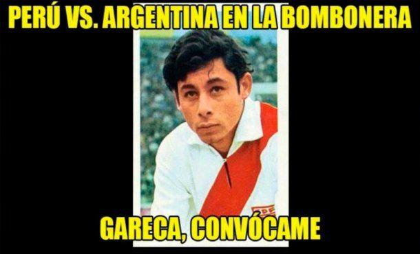 Los peruanos calientan la previa del partido con memes for Minuto uno primicias ya