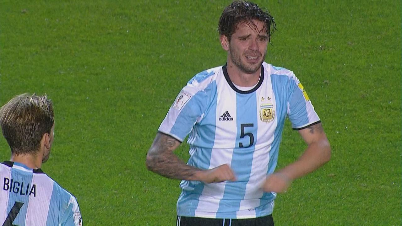 VIDEO: La lesión de Gago y el pedido desesperado del jugador para seguir jugando