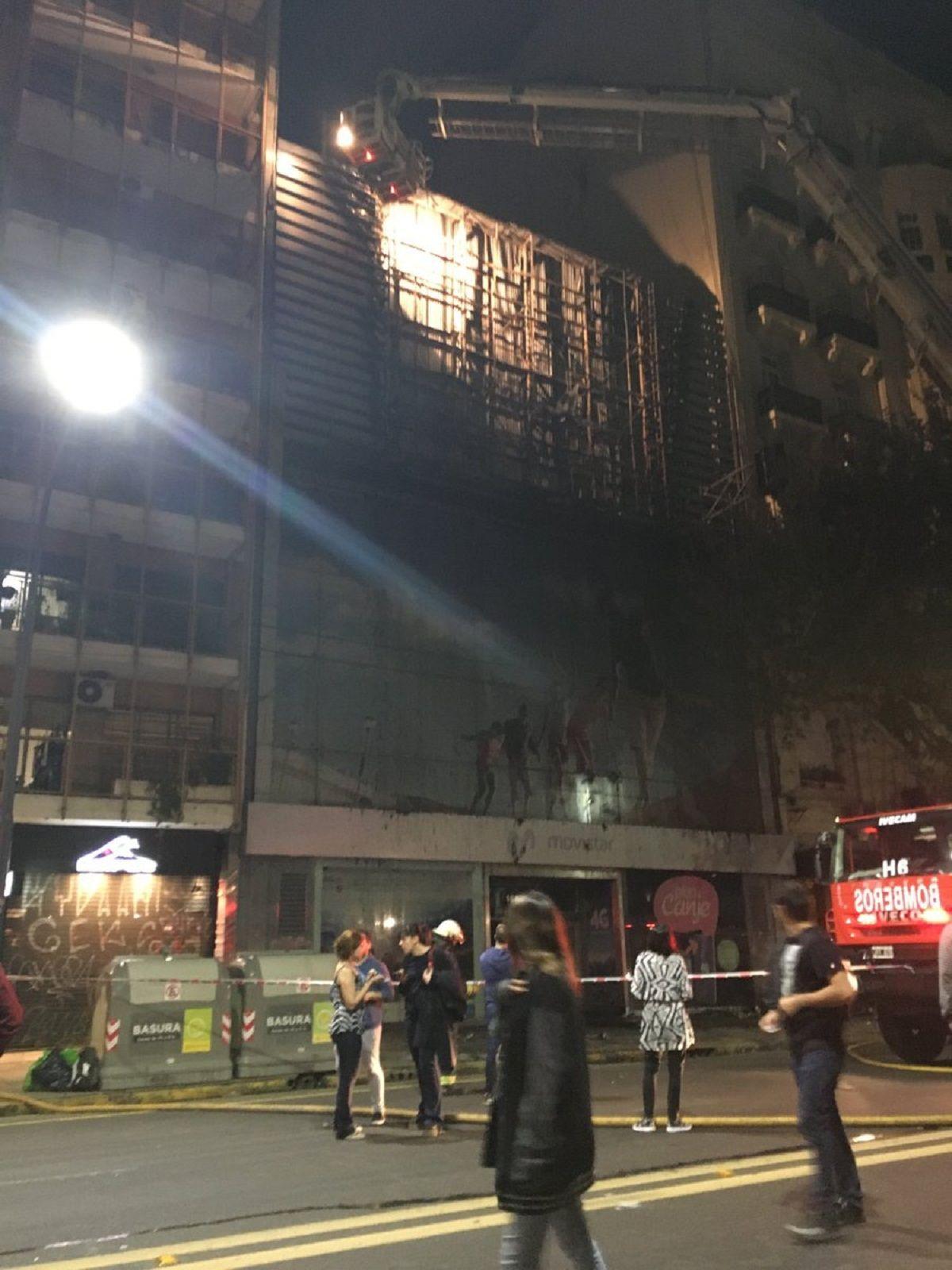 Incendio en Santa Fe y Callao