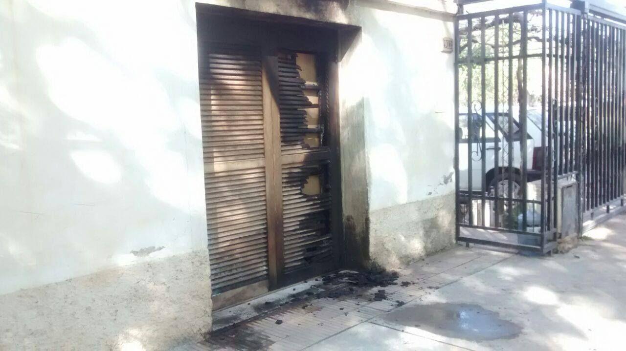 Prendió fuego a la casa de su ex pareja