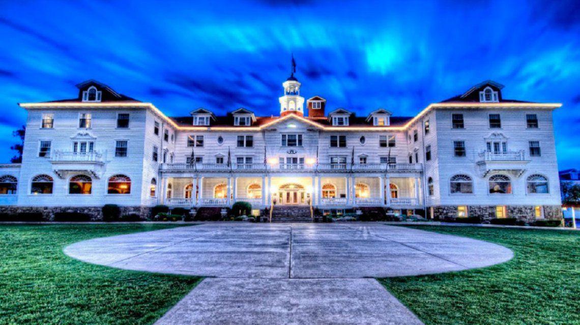 Captan a un fantasma en el hotel que inspiró a Stephen King a escribir El Resplandor