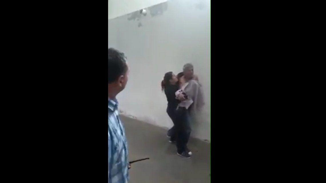 Una de las violentas escenas que testigos presenciaron en San Juan