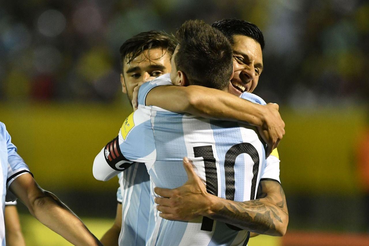 Enzo Pérez se entiene muy bien con Messi.