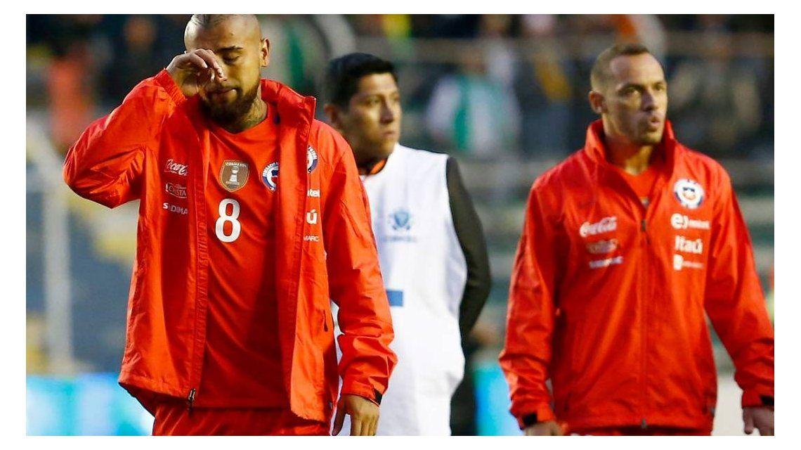 Arturo Vidal llorando tras la eliminación del Mundial