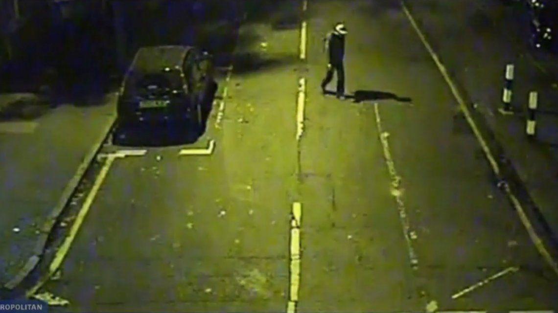 Reino Unido: una joven fue violada tres veces en una hora y la secuencia quedó grabada
