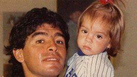 Con esta foto anunció Diego el casamiento de su hija.