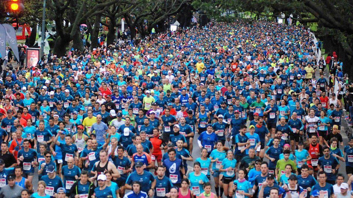 Más de 10 mil personas corren el maratón de Buenos Aires