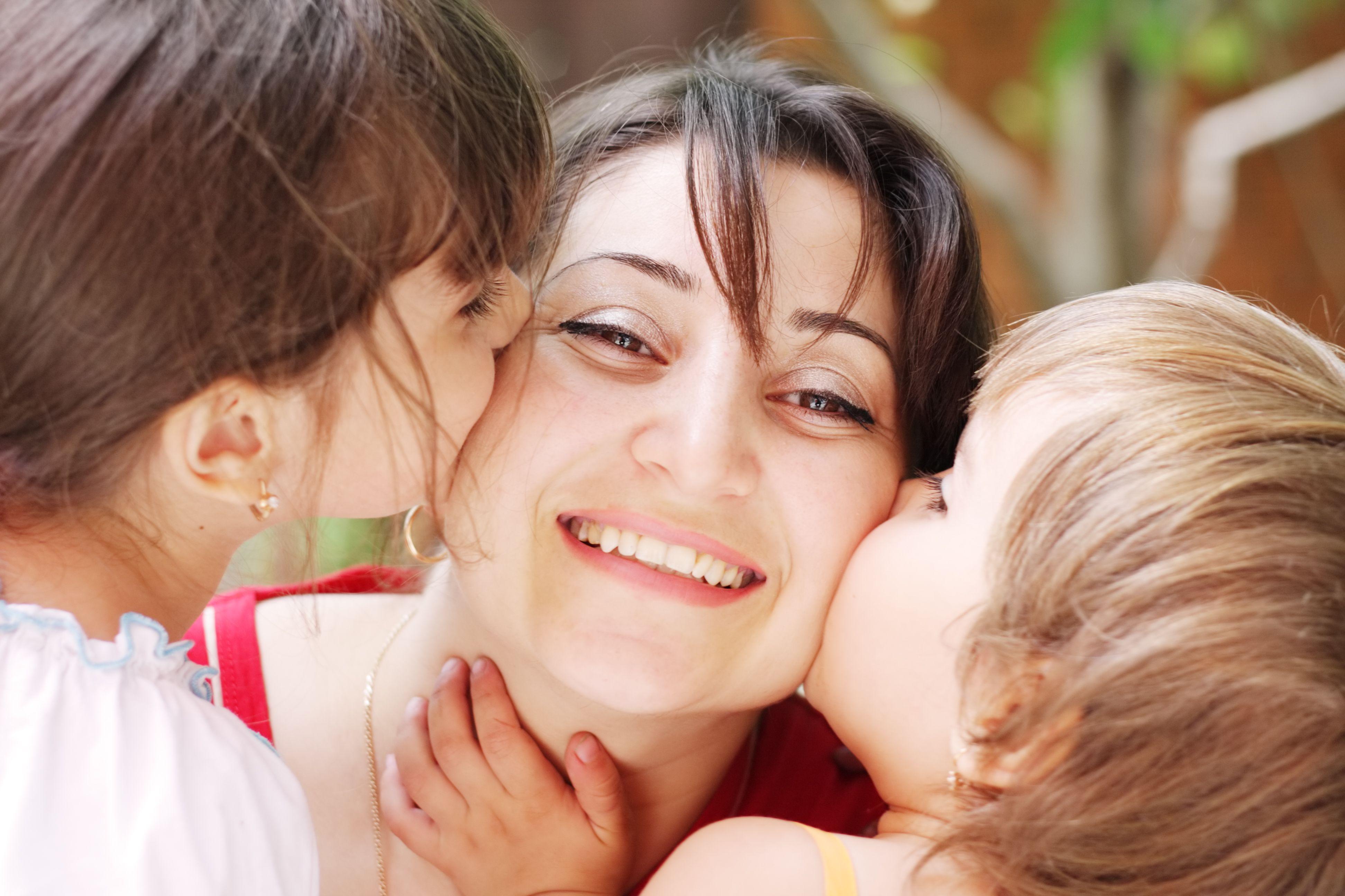 Desafío, trabajo y consumo: ser madre en la Generación Millennials
