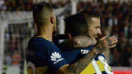 Junior Benítez, Benedetto y Fabra celebran el segundo gol de Boca