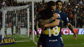 Darío Benedetto volvió a marcar y se lo dedicó a Gago y a su madre fallecida cuando él era chico