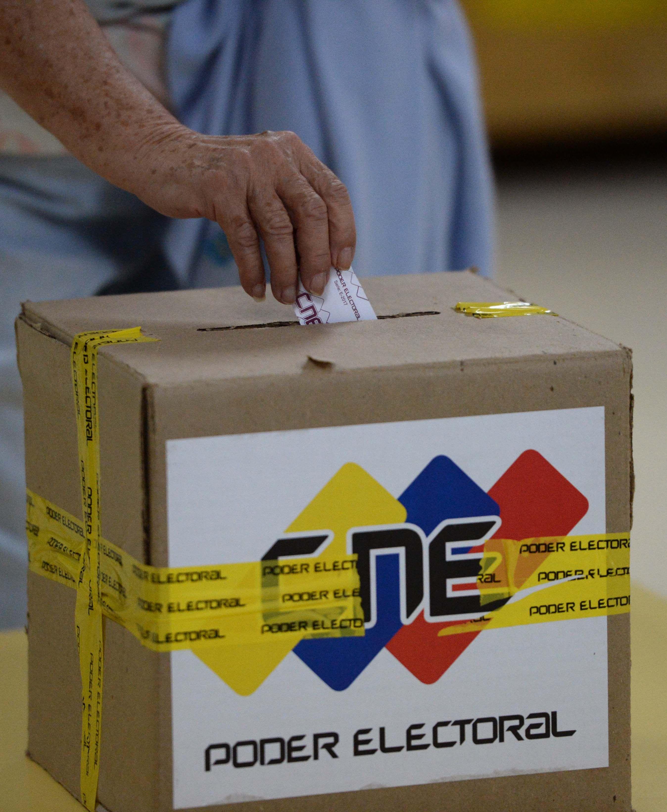 Una de las urnas usadas en los comicios regionales venezolanos