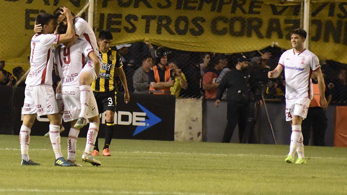 El festejo de Huracán y la desazón de Olimpo en un duelo de seis puntos en Bahía Blanca