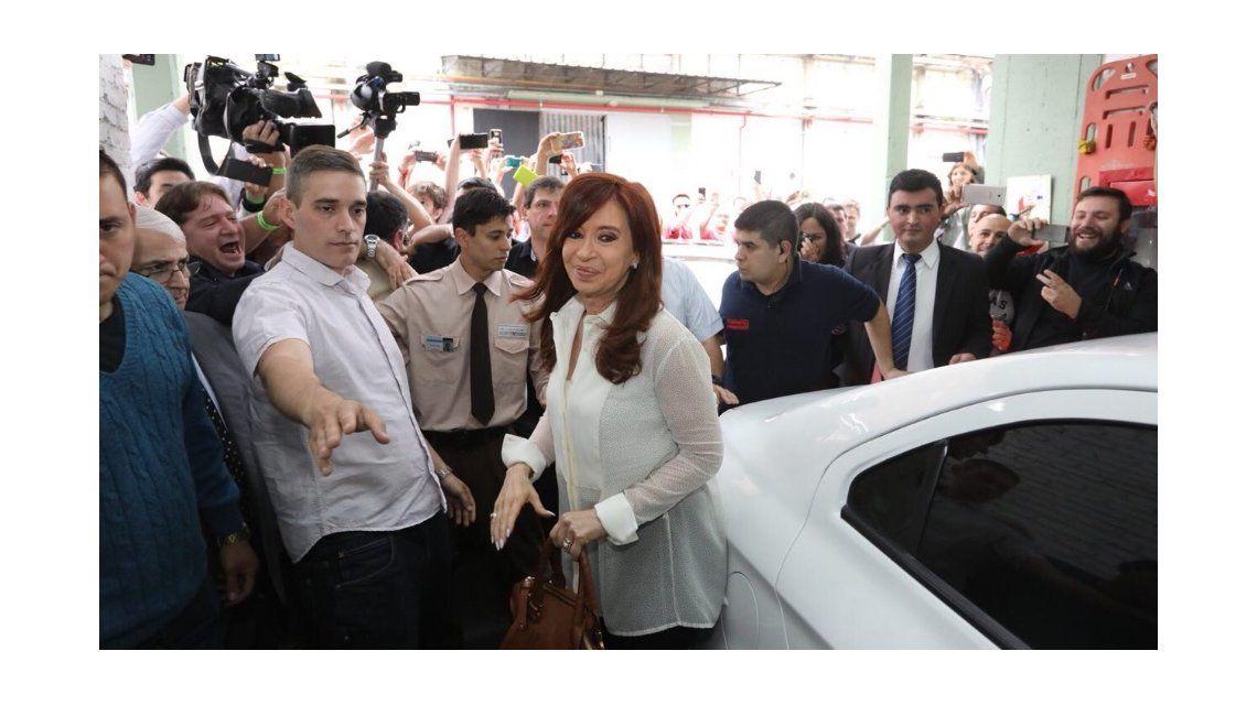 El Senado aprobó por unanimidad los allanamientos a las viviendas de Cristina Kirchner