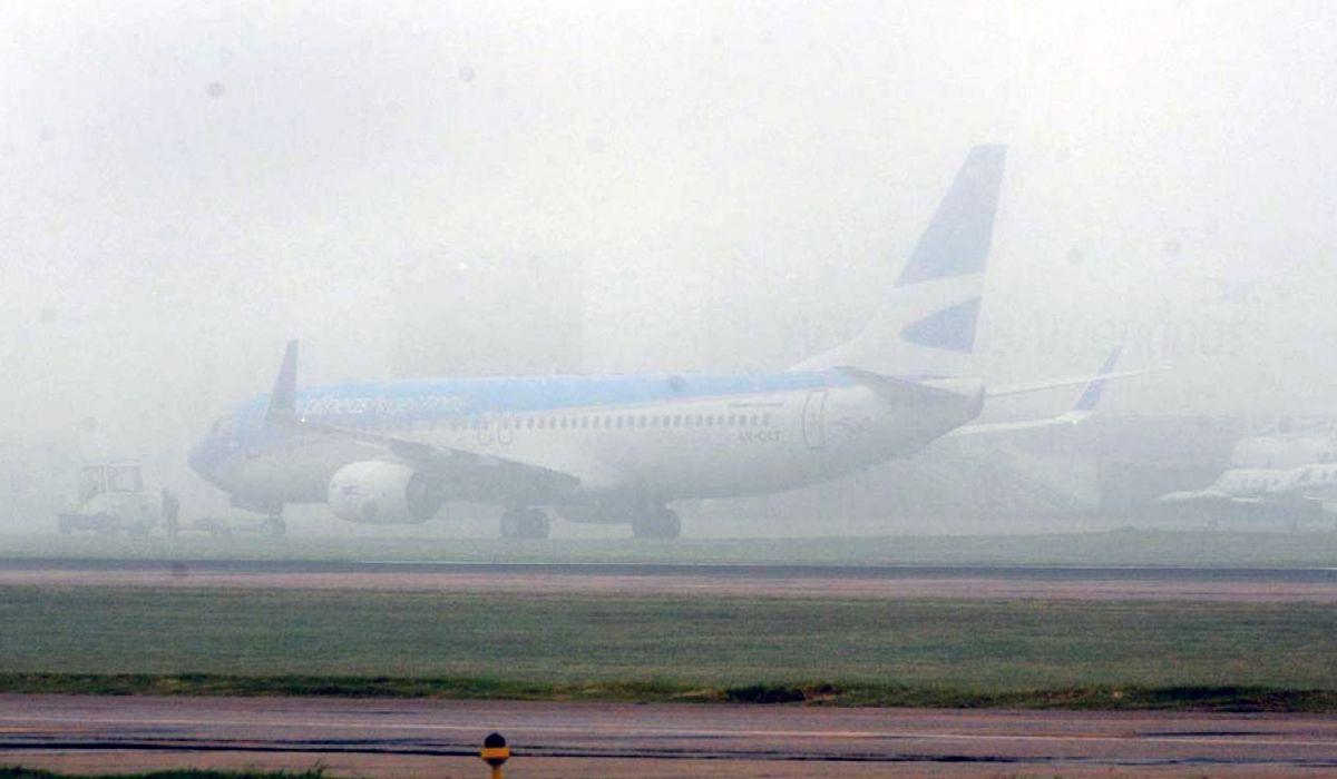 Demoras en Aeroparque por la niebla que cubre la Ciudad