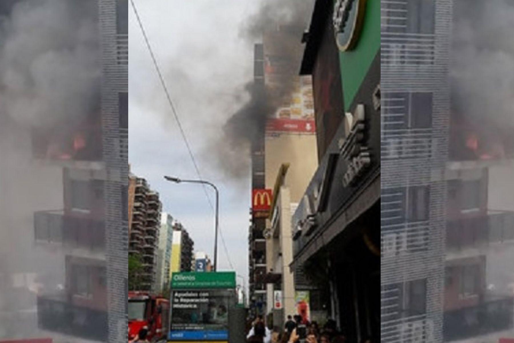 Susto en Belgrano: evacuaron un edificio por un incendio
