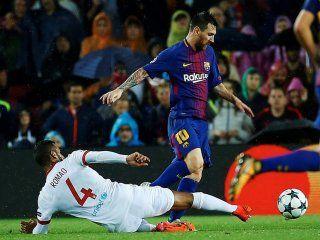 con un gol de messi de tiro libre, barcelona supero al olympiakos como local