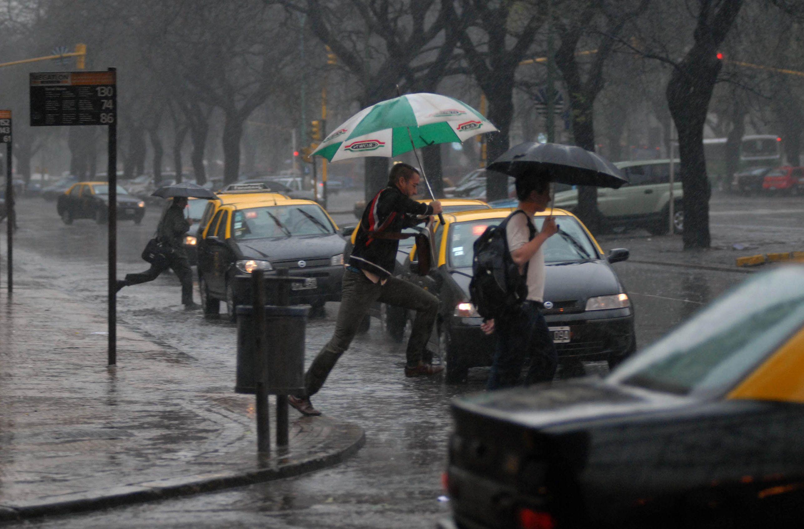 Renovaron el alerta por tormentas fuertes y caída de granizo en la Ciudad y el Conurbano