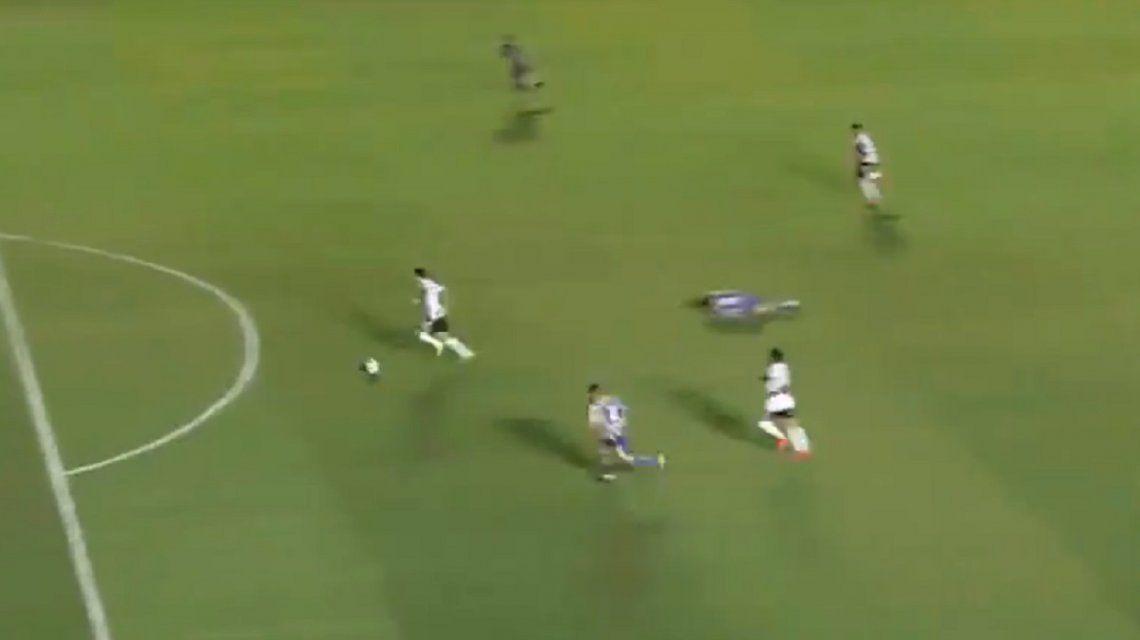 El burdo error de la defensa de Atlanta que le sirvió el segundo gol a River